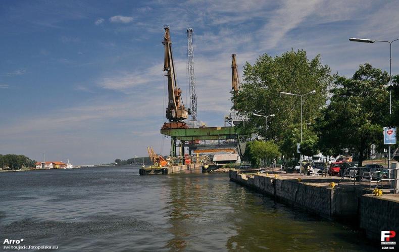 Porty w Szczecinie i Świnoujściu: modernizacja to miejsca pracy - GospodarkaMorska.pl