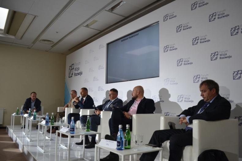 Forum Wizja Rozwoju 2021. Efektywność inwestycji w portach - GospodarkaMorska.pl