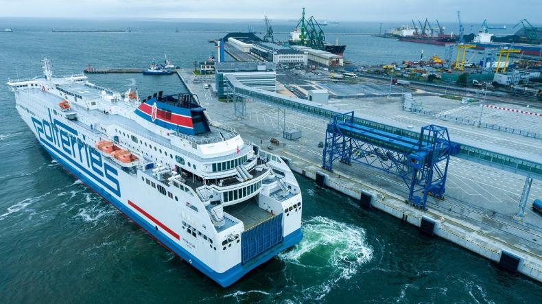 Prom Polferries zawinął do Portu Gdynia. Sukces próbnego cumowania, kolejny krok do bałtyckiego hubu promowego [WIDEO, ZDJĘCIA] - GospodarkaMorska.pl