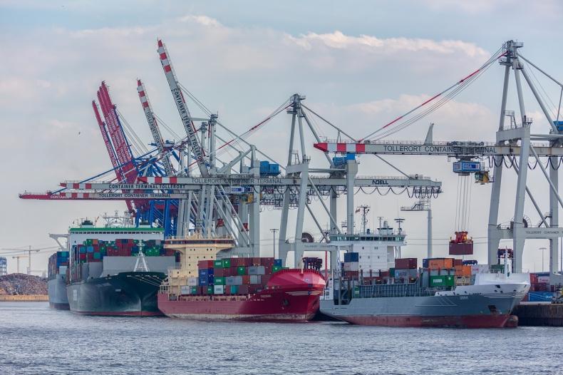 Port w Hamburgu. Przeładunki na wzroście po spadkach spowodowanych Covid-19 - GospodarkaMorska.pl