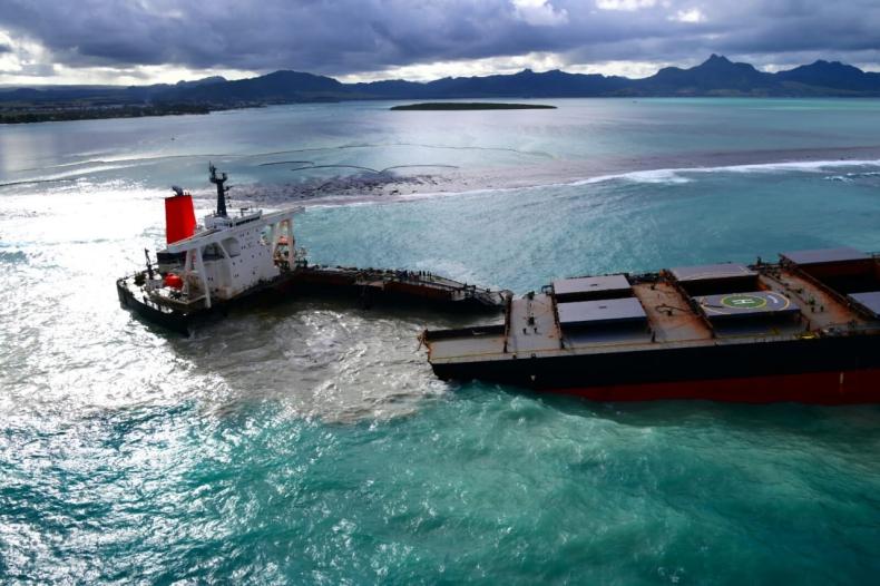 Kapitan statku, który rozbił się na Mauritiusie, próbował uciec z więzienia - GospodarkaMorska.pl