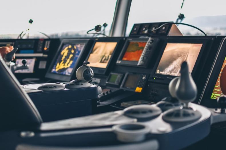 Technologiczni giganci wnioskują o zezwolenie zagranicznym statkom na naprawę podwodnych kabli w Malezji - GospodarkaMorska.pl