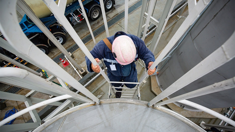 Maersk inwestuje w amerykański start-up, aby zabezpieczyć produkcję ekologicznego biometanolu - GospodarkaMorska.pl