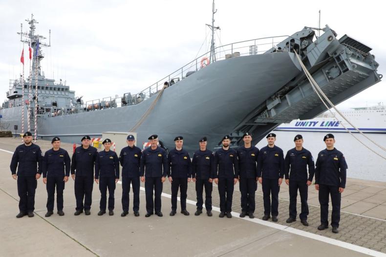 Polscy marynarze w zespole okrętów NATO [ZDJĘCIA] - GospodarkaMorska.pl
