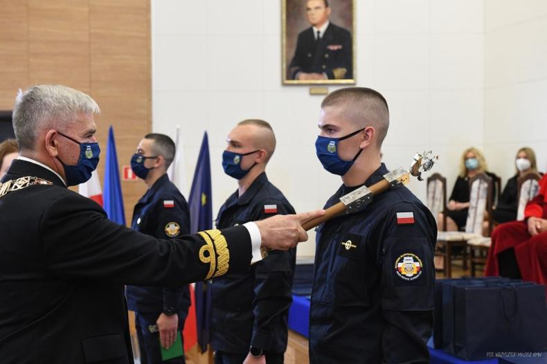 1100 nowych studentów w Akademii Marynarki Wojennej. Nowy rok akademicki rozpoczęty [ZDJĘCIA, WIDEO] - GospodarkaMorska.pl