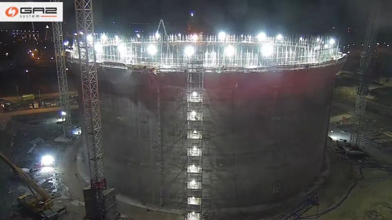 Nowy zbiornik terminala LNG w Świnoujściu ma już ściany [WIDEO] - GospodarkaMorska.pl