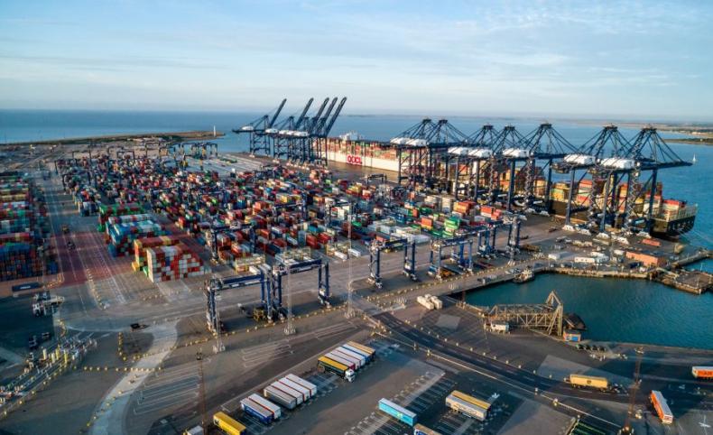 Port towarowy w brytyjskim Felixstowe zakorkowany. Powód: brak kierowców ciężarówek - GospodarkaMorska.pl
