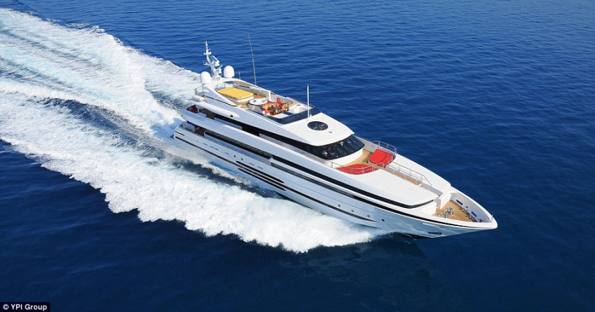 Balista.Cena wywoławcza: 21,2 mln dol. 46,57 metrowy Balista to duma włoskiej stoczni Cantieri di Pisa stoczni Włoch. Został zbudowany w  2013 roku. Na jego pokładzie może przebywać do 12 osób, którzy-GospodarkaMorska.pl