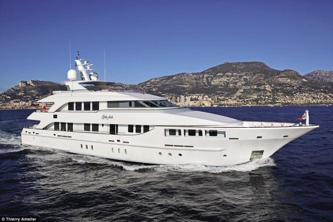 Little Fish.Cena wywoławcza: 11 mln dol.  Ten 39,8-metrowy super jacht zbudowany przez Heesen Yachts w Holandii w 2010 roku.-GospodarkaMorska.pl