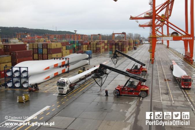 Port Gdynia portem instalacyjnym polskich farm wiatrowych na Bałtyku [foto, wideo]-GospodarkaMorska.pl