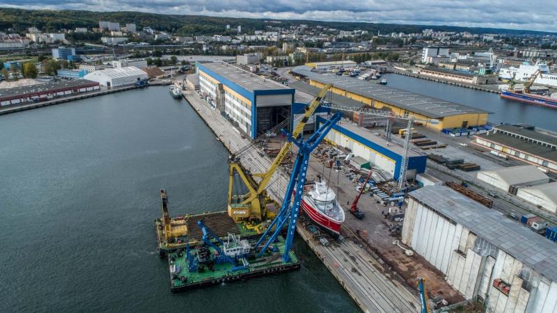 Kolejne wodowanie statku rybackiego w stoczni Karstensen Shipyard w Gdyni [foto, wideo]-GospodarkaMorska.pl