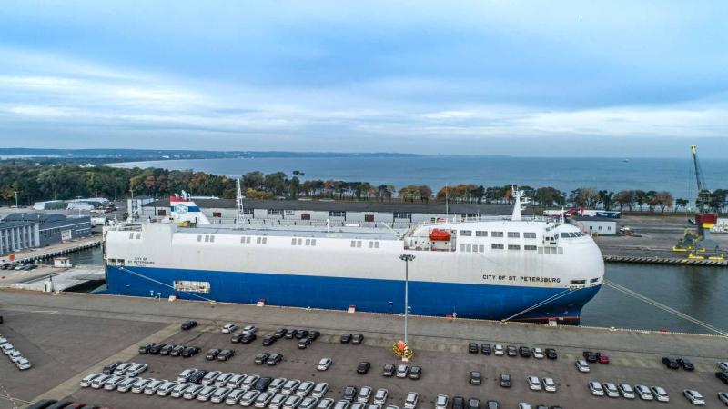 Port Gdańsk liderem przeładunków samochodów osobowych w regionie [foto, wideo]-GospodarkaMorska.pl