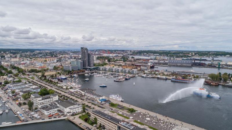 Port Gdynia od kuchni i nowy pomnik w mieście. Zobaczyli miejsca niedostępne na co dzień [wideo]-GospodarkaMorska.pl