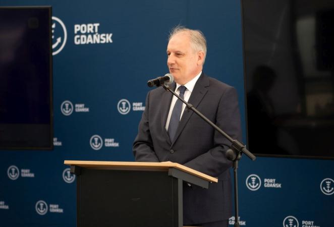 Port Gdańsk rozbudował sieć drogową i kolejową. Cel: konkurencyjność i pierwszy port na Bałtyku [WIDEO, ZDJĘCIA]-GospodarkaMorska.pl